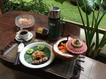 balinese breakfast (jajan bali)